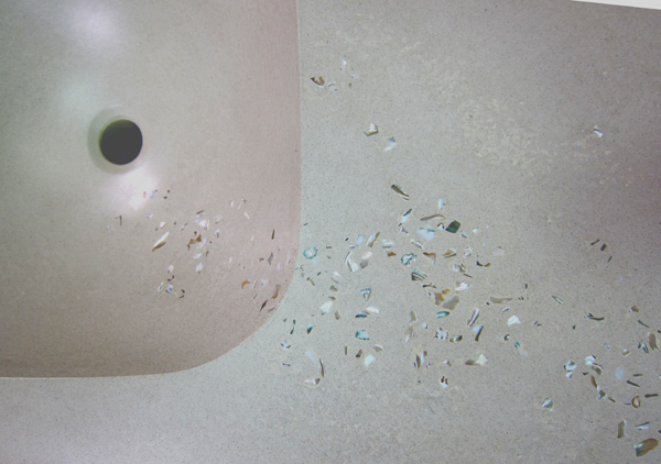 mother-of-pearl-river-in-concrete-sink