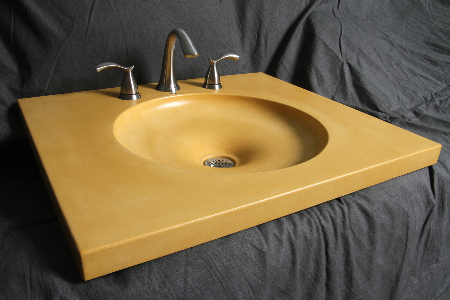 Another beautiful sample sink by Peter Cicalo.