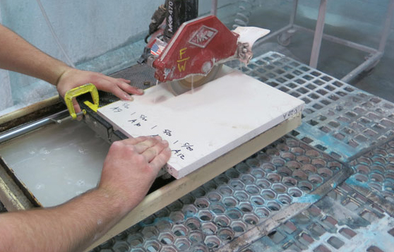 cutting-GFRC-samples-for-flexural testing